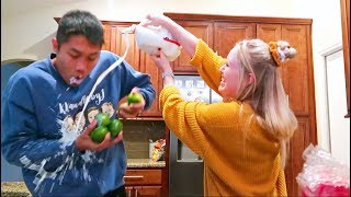 Video Keren Goes Crazy In The Kitchen.. MP3, 3GP, MP4, WEBM, AVI, FLV Juli 2018
