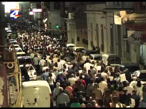 Miles de sanduceros marcharon en silencio en memoria de David Fremd