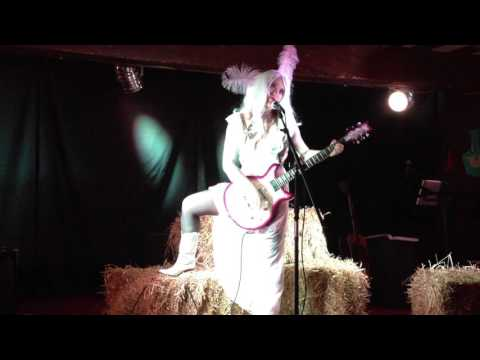 I'm Tired - Hannah Golightly (Live at Dr Sketchy's)