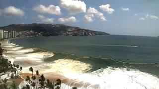 Gracias a la cámara instalada en el hotel El Cano de la Bahía de Acapulco se pudo captar estas extraordinarias imágenes del...