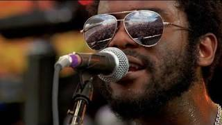 Video Gary Clark Jr. - Bright Lights MP3, 3GP, MP4, WEBM, AVI, FLV Januari 2018
