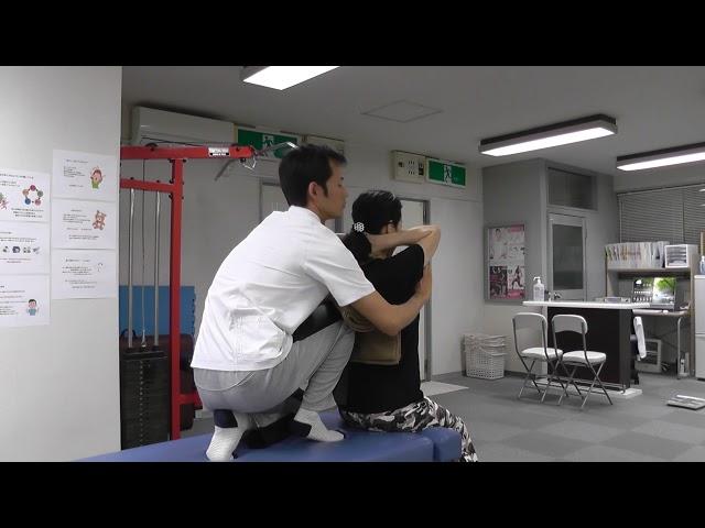 【施術動画】封印していた『ニー・プレス』をあえてやってみる 胸椎アジャスト