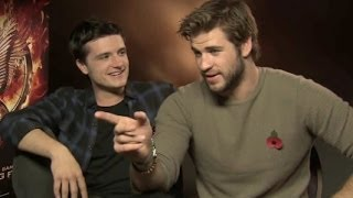 Liam Hemsworth Imitates Chris Hemsworth