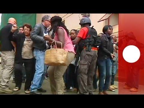 Attaque revendiquée par des islamistes au Kenya, dans un centre commercial de Nairobi, 59 personnes tuées