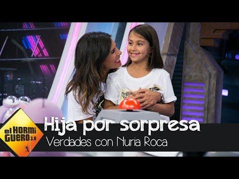 Nuria Roca recibe la visita sorpresa de su hija Olivia - El Hormiguero 3.0
