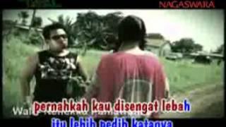 Wali Band - Nenekku Pahlawanku (Video Clip + Lyrics) Video