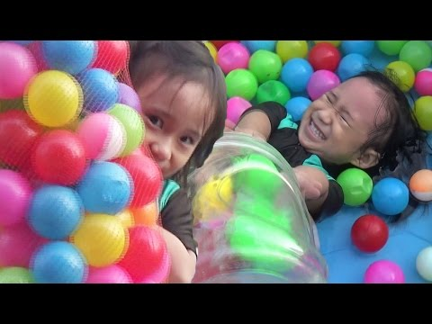 Mandi Bola Mandi Balon Menangkap Ikan Dan Mancing Ikan_The Ball Pit Show Learning Color