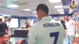 Video Suasana Di Ruang Ganti Real Madrid Seusai RONALDO Hatrick Ke Gawang Bayern Munich MP3, 3GP, MP4, WEBM, AVI, FLV April 2018