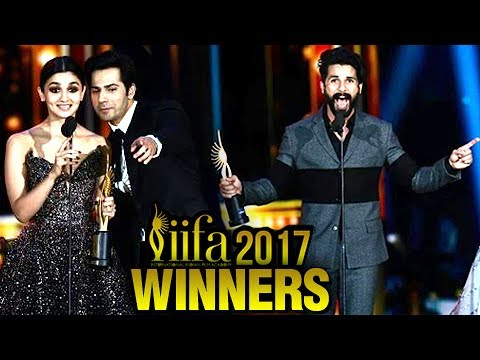 Shahid Kapoor and Alia Bhatt win Best Actor trophy