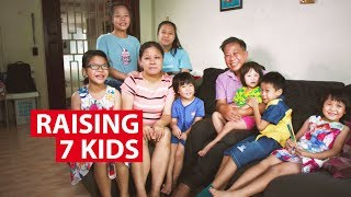 Video Raising 7 Kids in Singapore: Life in  a Big Family  | On The Red Dot | CNA Insider MP3, 3GP, MP4, WEBM, AVI, FLV Agustus 2018