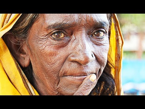 Video Very OLD woman made YOUNG and BEAUTIFUL again! download in MP3, 3GP, MP4, WEBM, AVI, FLV January 2017