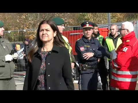 Flüchtlinge an der österreichischen – slowenischen Grenze VIDEO