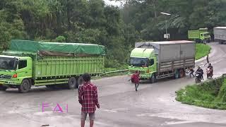 Video Detik-detik truck ke 2 Sliiip di tanjakan Panorama Dua Sitinjau lauik MP3, 3GP, MP4, WEBM, AVI, FLV September 2018