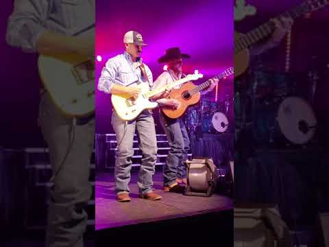 Video Cody Johnson-On My Way To You download in MP3, 3GP, MP4, WEBM, AVI, FLV January 2017