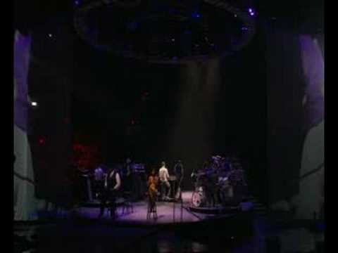 Alexakos92 - Justin performing Last Night (Medley) Live @ Madison Square Garden in NYC on his 2007 FutureSex/LoveShow tour on HBO! Song: Last Night Artist: Justin Timberl...