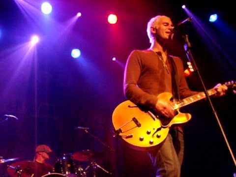 Lifehouse-Broken[Melkweg Rabozaal Amsterdam 02-24-10]