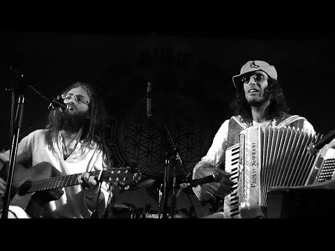 Agua de Estrellas / Shimshai Live with Assi Rose (Accordion)