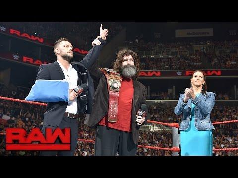 Finn B�lor relinquishes the WWE Universal Championship: Raw, Aug. 22, 2016_Legjobb vide�k: Sport