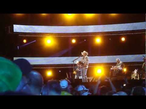 Chatahoochie (LIve CMA Fest 2012)