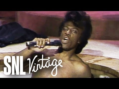 James Brown's Celebrity Hot Tub Party - SNL - Thời lượng: 2 phút, 26 giây.