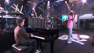 Video Wiz Khalifa ft  Charlie Puth Performs 'See You Again' Live Performance Version MP3, 3GP, MP4, WEBM, AVI, FLV Maret 2018