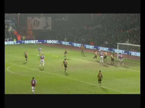 Carlton en el West Ham United