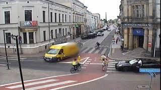 Uderzył kobietę, a później ją potrącił –kierowca Porshe, nagranie z Leszna