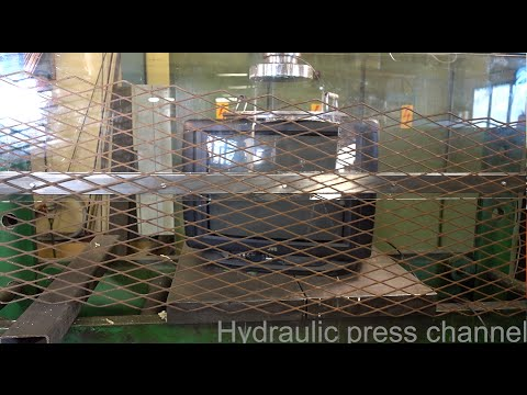 (Hydraalik Press Tsännel) Crushing old tv with hydraulic press