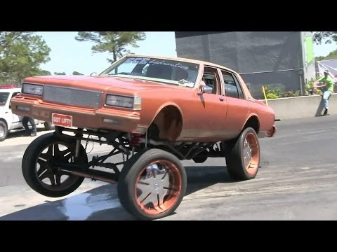 Lifted Box Chevy with Hydraulics