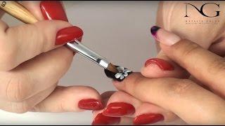 Акриловая лепка на ногтях – это великолепная возможность создать изысканный маникюр на любой случай жизни. В этом видео мы Вам представим объёмно-плоскостную лепку, которая будет выглядеть изюминкой на Ваших ногтях. Этот дизайн выглядит очень оригинально и поможет сделать Ваш образ запоминающимся. При создании акрилового дизайна используются разные материалы, которые помогают создать на ногтях настоящие шедевры. В дизайне использовались следующие материалы:База/Топ/Клей ALL IN ONE NGБезворсовая салфеткаСредство для снятия дисперсионного слояЛампа UF/LED MagneticКисть 6 KolinskyБелая пудра EntityСтразыКисть для прорисовки тонких линий_________________________________________________________________Заказать Базу/Топ/Клей ALL IN ONE NG можно:- в бесплатном мобильном приложении n.goloh- написать запрос на почту goloh@ukr.net-----------------------------------------------------------------------------------------------------Смотрите также:Весенний маникюр: тюльпан на ногтях. Акриловая лепка / Spring Flower Nail Art https://www.youtube.com/watch?v=ipc2Lo_iobU&index=1&list=PLwb9HlhVpANmj4ruCjputKrF8PFNlmcpyПробуждение: быстрый дизайн ногтей / Express nail design https://www.youtube.com/watch?v=aYp6sMnUrOw&list=PLwb9HlhVpANn9ujxsQzaZle7SUKASp0Hy&index=1&t=2sНежные цветы на ногтях: БЫСТРАЯ маркерная техника с прорисовкой / Flowers on nails: marker technique https://www.youtube.com/watch?v=qyjhTcAyTgA&index=1&list=PLwb9HlhVpANmTmtLXiyGMtLOsJLngaODj&t=316sМодный маникюр - эффект мрамора . Как его делать / Nail Design - marble manicure. How to do it https://www.youtube.com/watch?v=tGJdcXgIbZs&list=PLwb9HlhVpANmVD2CFCKsZ2hWCeBMwvJo9&index=3Курс: Аппаратный медицинский педикюр/Medical machine pedicure https://www.youtube.com/watch?v=dKyTGbUN5-I&t=1s&index=1&list=PLwb9HlhVpANkZ-ally9zzoepdSgqNivVXКрасивое сердце: экспресс маникюр с вензелями / Beautiful heart: express manicure with monograms https://www.youtube.com/watch?v=GRyJcJ-dcP4&list=PLwb9HlhVpANmxRF_kj_Tza-U4iI1CyOUf&index=