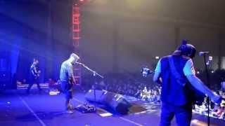 "Download Lagu ""Hati Hitam"" Captain Jack Band feat Calsey Tory (LIVE) Mp3"