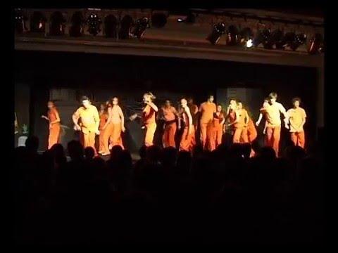 Revue Riot Dance
