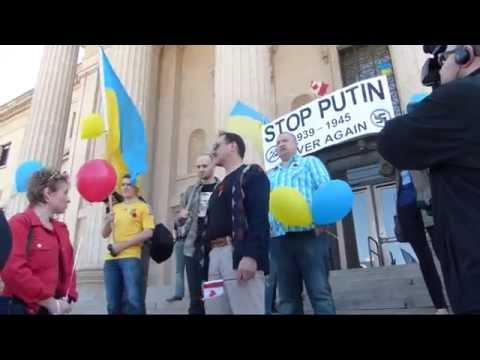 Ukrainians protest 2014 Russian Victory Day parade in Winnipeg