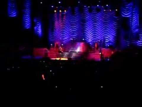 Rihanna- rehab live!