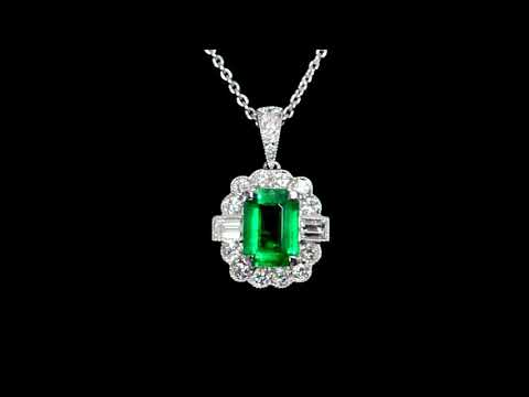 18k White Gold 0.86ct Emerald and Diamond Pendant Necklace
