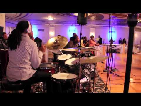 Bishop Shelvis Green bday praise break pt  2