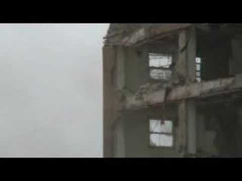 Demolition of the last ABLA Homes high-rise in Chicago
