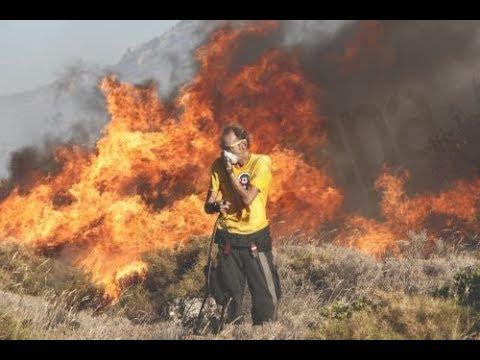 Εκτός κινδύνου οι κατοικημένες περιοχές του Σαρωνικού από την πυρκαγιά