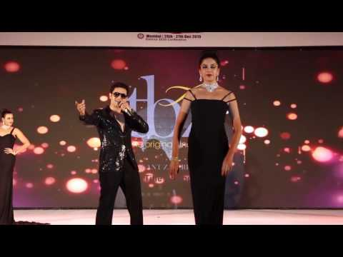 Video Soniye by amit jadhav with hot models on ramp download in MP3, 3GP, MP4, WEBM, AVI, FLV January 2017