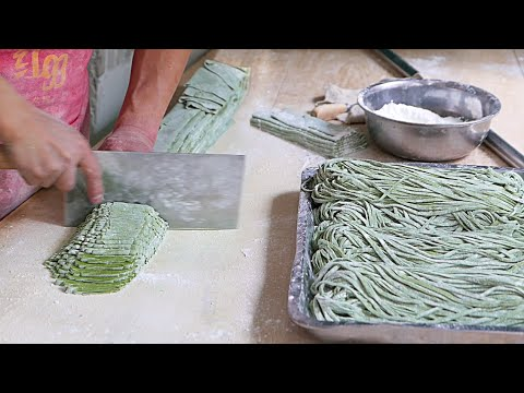 Xian Street Food - Making Chinese Spinach Noodles [13:26]