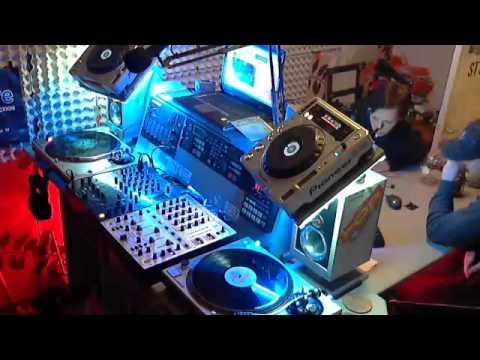 topradio - 1st and 2nd hour Retro Arena mix session ft. dj Vinn Topradio 99.4fm, 3th hour DJthe Oab in the mix - Captured Live on Ustream at http://www.ustream.tv/chann...