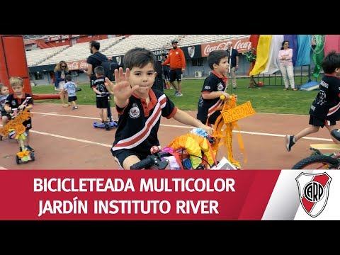Mirá lo que fue la Bicicleteada Multicolor de los alumnos de Jardín del Instituto River Plate