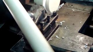 Капролактан, Капролон режим на токарном станке.Разрезаем большой диаметр капролоктана.Как и чем резать капролон стержень.