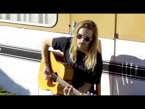 Sticky Fingers - Juicy Ones (cover by Bede Bailey) raw live acoustic loop