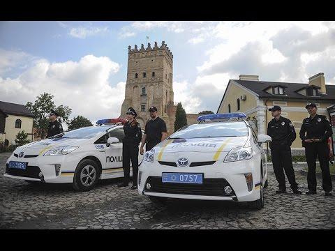 Прем'єр-міністр України Арсеній Яценюк презентував створення нової патрульної поліції