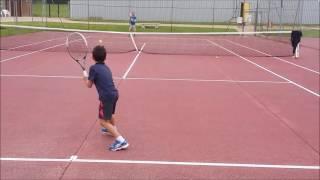La Ville-du-Bois France  city pictures gallery : Benjamin défie tonton Fred au Tennis de la Ville-du-Bois