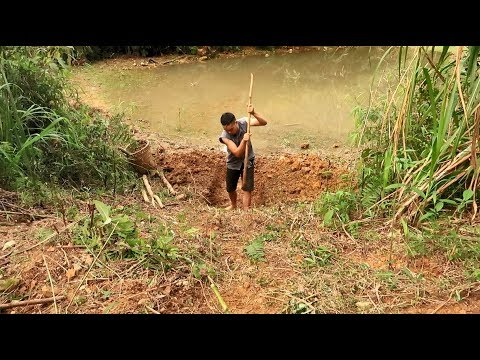 Primitive Technology: Drainage Tunnel (Part 1)