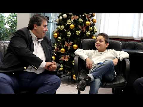 "Video - ""Αϊνστάιν"" 8 ετών από την Πέλλα: Εντυπωσιάζει με τις επιδόσεις του και το υψηλό IQ του (βίντεο)"