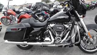 9. 623269 - 2017 Harley Davidson Street Glide FLHX - Used motorcycles for sale