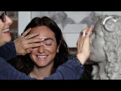 Sculpting Loved Ones Described by the Blind